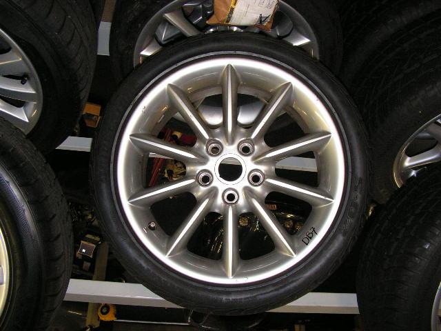 Aston Martin DB7 18-Inch velgen met gebruikte banden