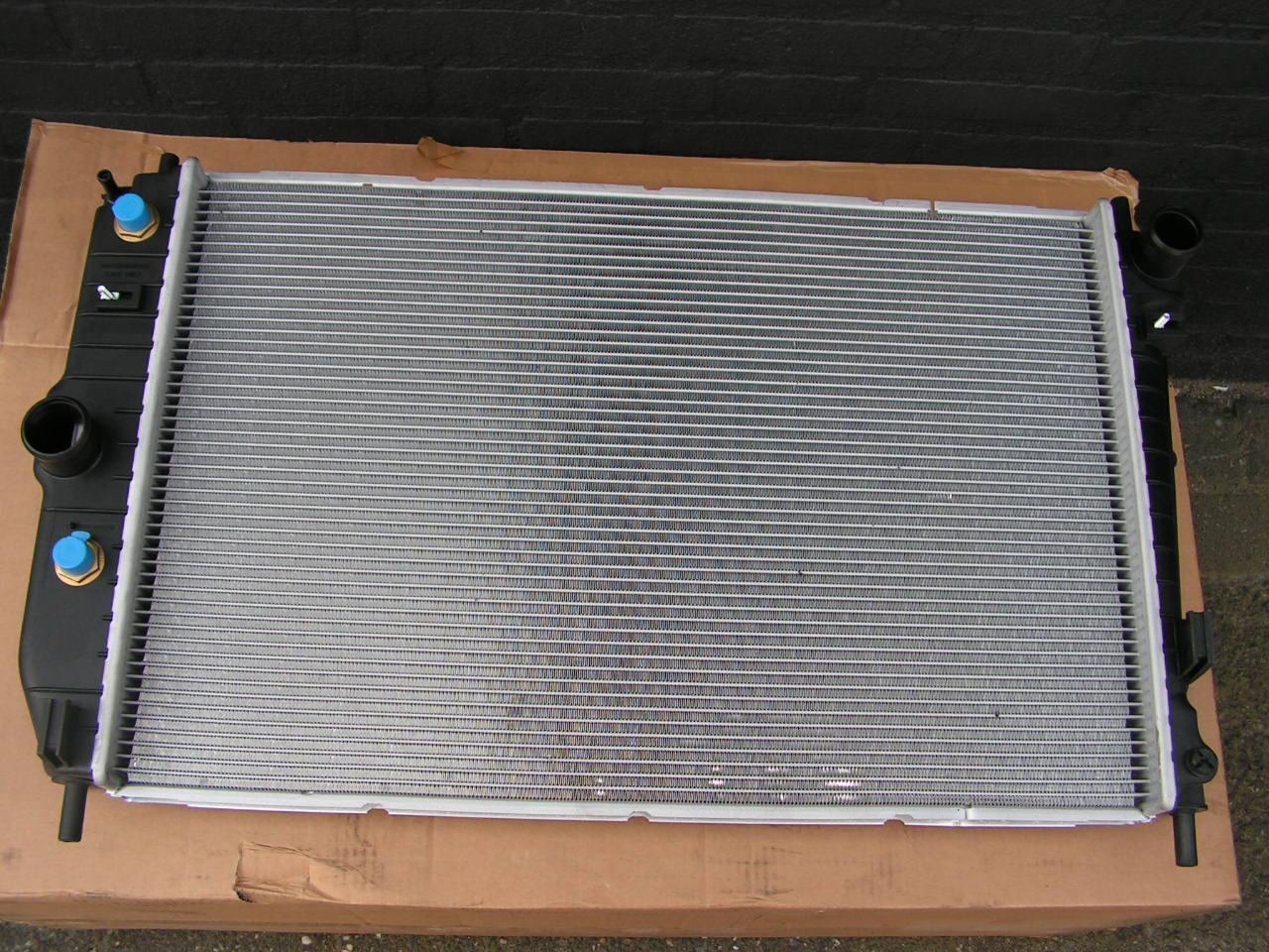 Jaguar XKR/8 radiator NIEUW