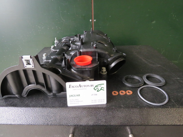 Jaguar Kleppendeksel Rechts C2S52794 alle 3.0D motoren met montage set