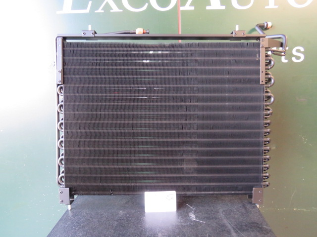 Jaguar  V12 6.0 XJ40  X300  Airco condensor nieuw CCC7532 MMC7390AB