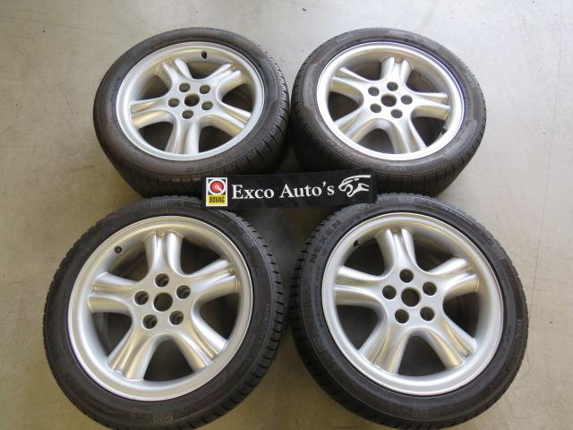 Jaguar Velgen Set Penta 18 inch met winterbanden 7mm