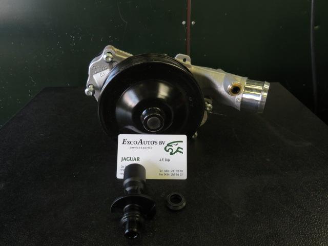 Jaguar Waterpomp AJ813909 met inbouwset
