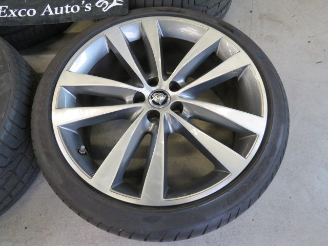 Jaguar 20 Inch Venom set C2P24769 En C2P18513